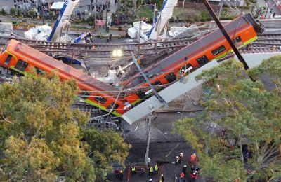 Vista aérea realizada con un drone que muestra el colapso de los vagones del metro en la Ciudad de México (México). EFE/Sáshenka Gutiérrez/Archivo